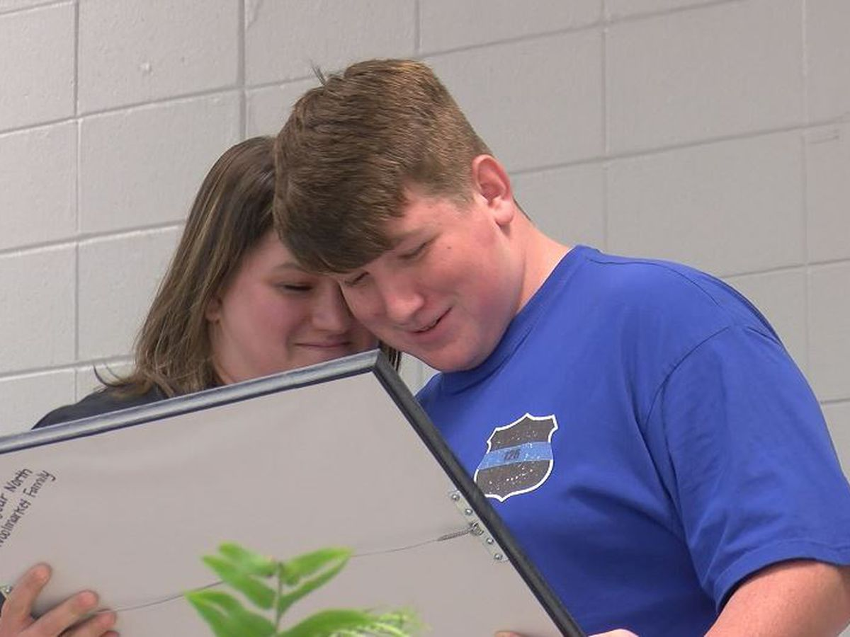 Grandson of slain Biloxi officer given plaque by his school