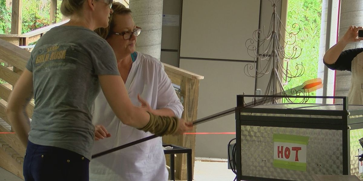 Mobile glass-blowing studio comes to Moss Point
