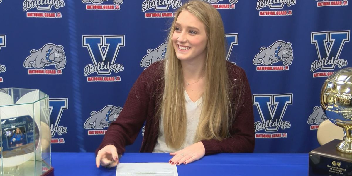 Vancleave volleyball standout follows Chatham to PRCC