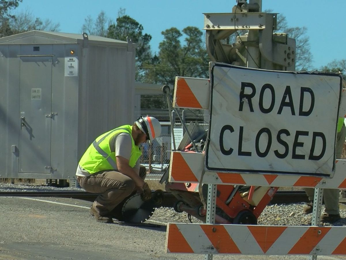 Work on Oak Street rail crossing in Biloxi to continue through Thursday