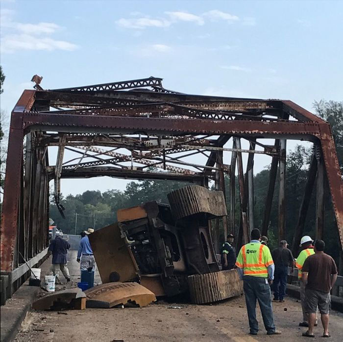 Hwy  57 bridge may have to be replaced before it reopens