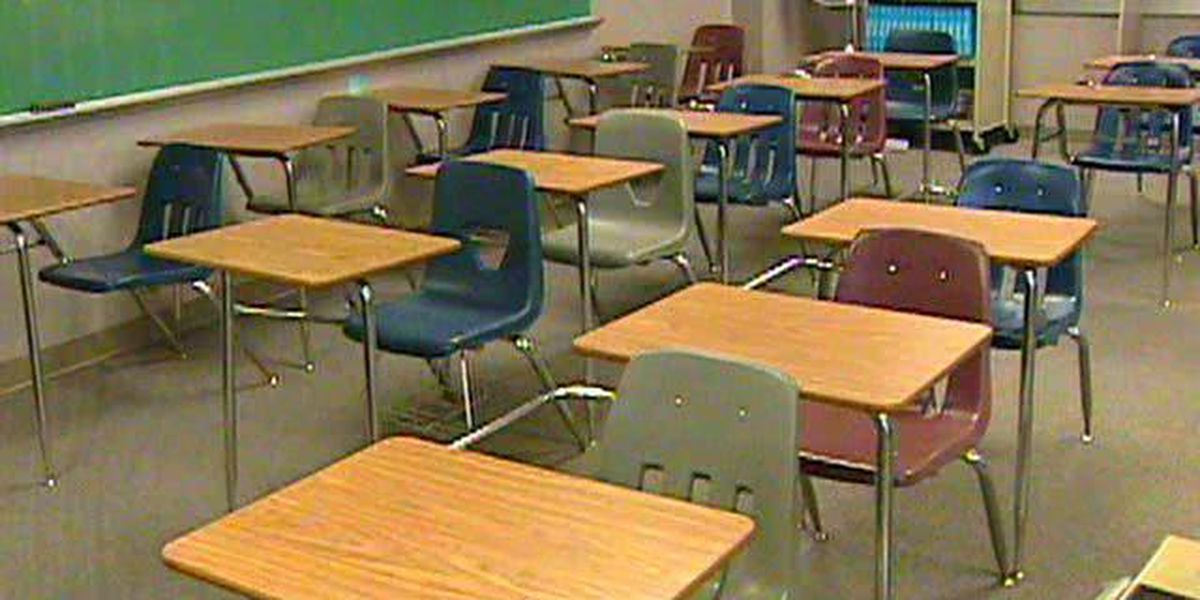 More school districts extend closings in South Mississippi
