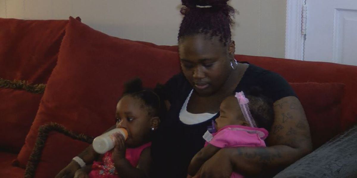 Mother's wallet stolen only days before Thanksgiving