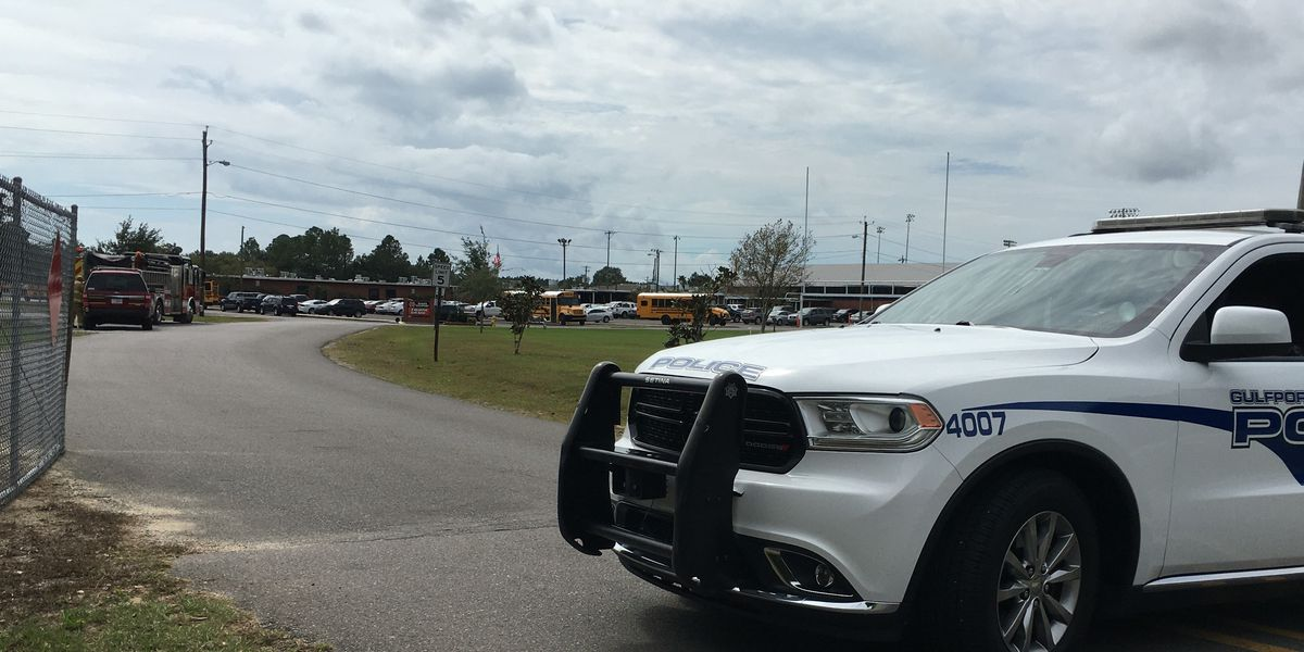 """Police give """"all clear"""" after bomb threat at North Gulfport Middle School"""