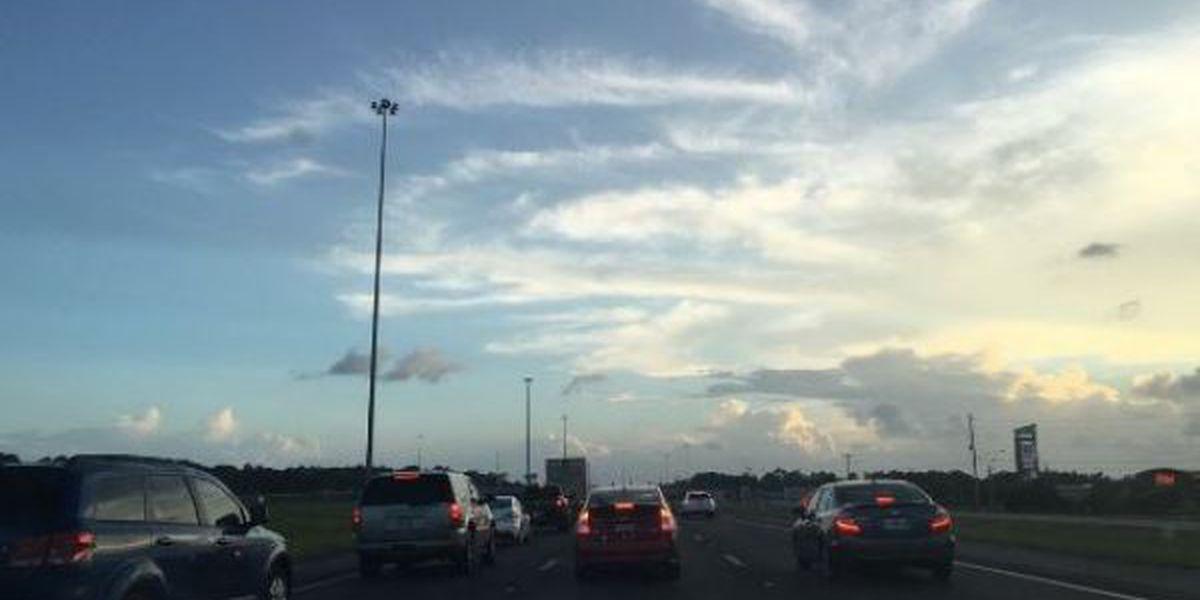 Westbound I-10 traffic delayed following lane closures