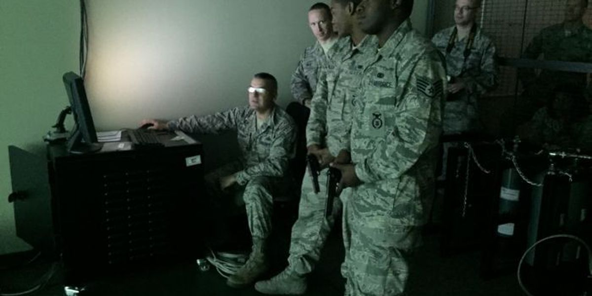 Service men and women use new virtual technology for training