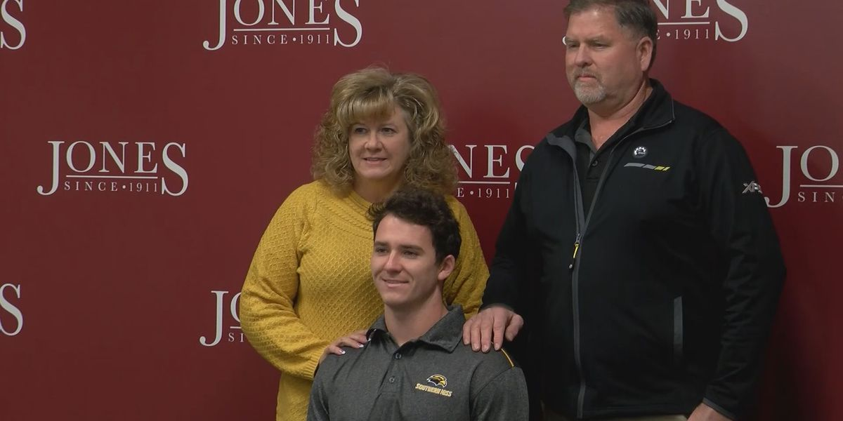 Johnson puts pen to paper with Southern Miss