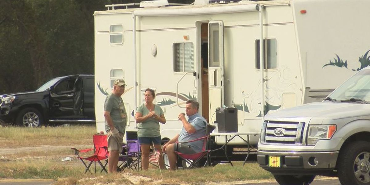 Cruisin' campers arrive early and find their favorite viewing spots