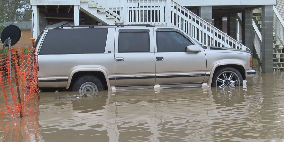 Heavy rains causing flooding in South MS