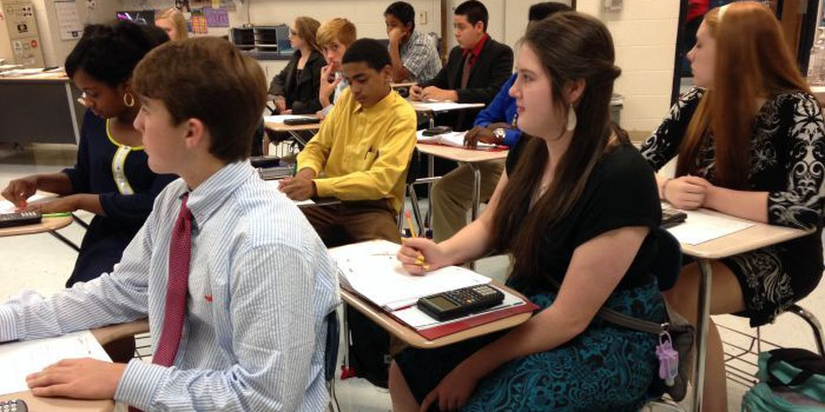 Pascagoula, Gautier schools launch program to show students how to 'Dress for Success'