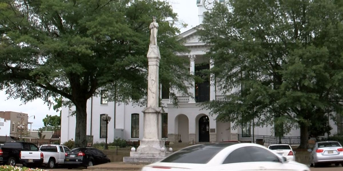 Lafayette Co. supervisors vote unanimously to keep Confederate statue on Oxford Court Square
