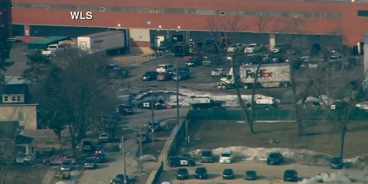Shooter kills 5 at suburban Chicago business; 5 officers wounded