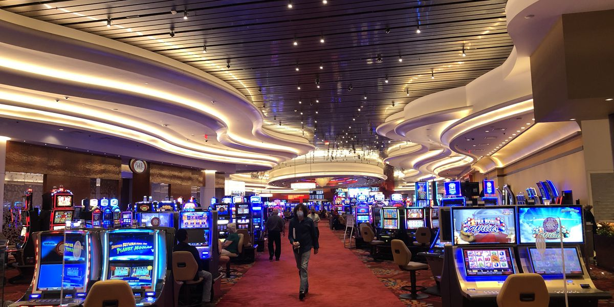 Casinos adapting to face mask requirement