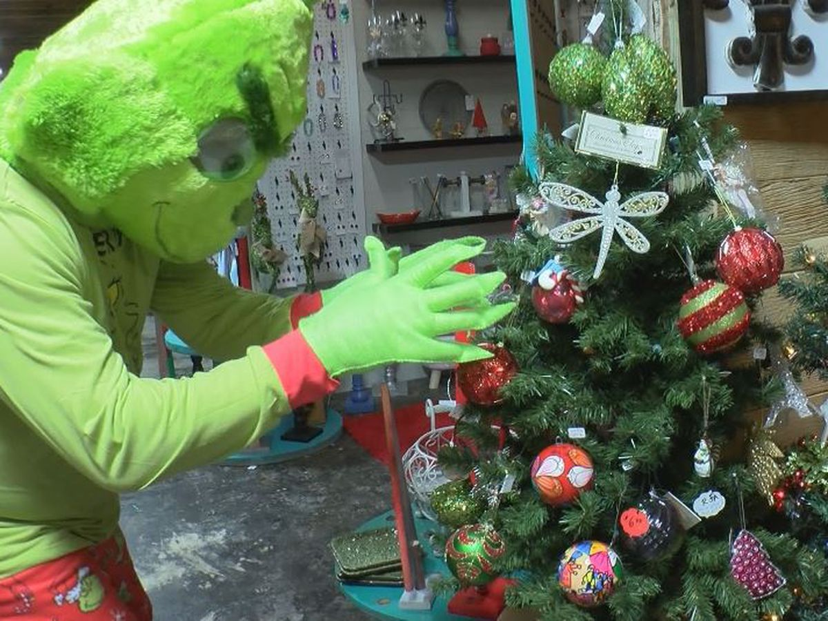 Pascagoula Police on the Grinch's trail to teach a valuable lesson