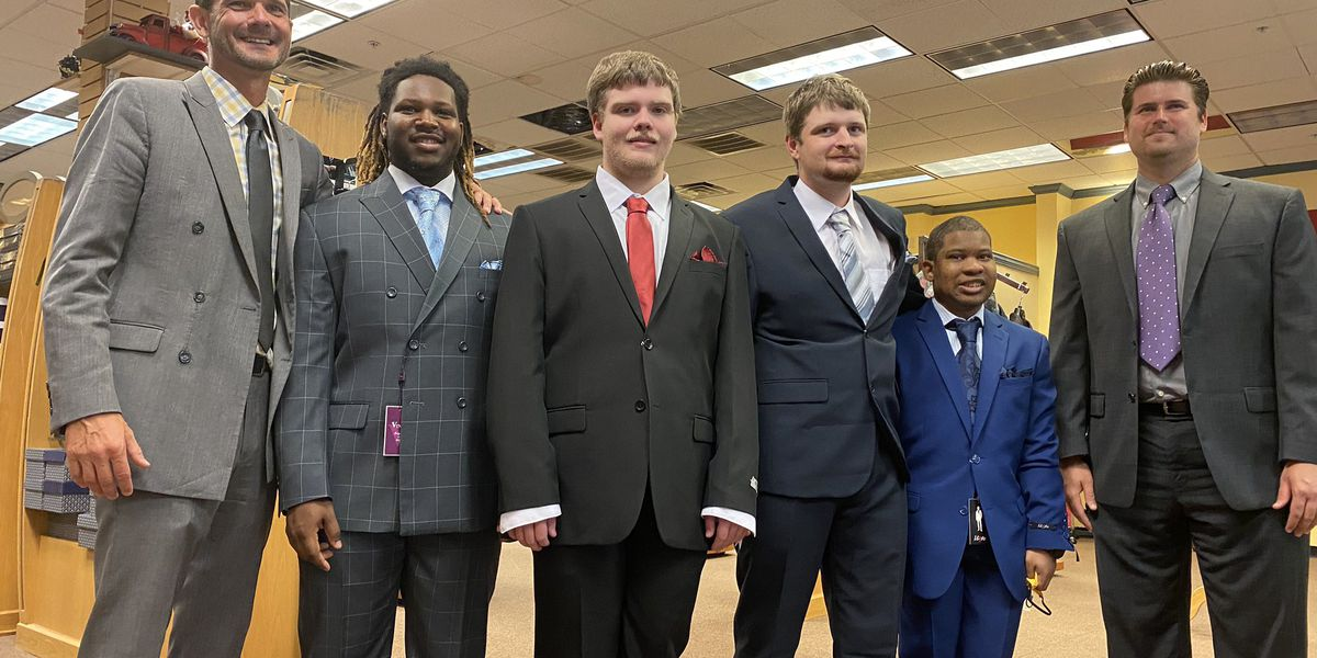 Jackson Co. School District superintendent surprises students with new suits for work