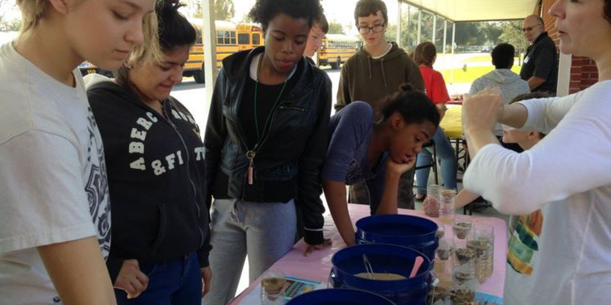 Harrison Co. students work with EPA scientists to study Turkey Creek