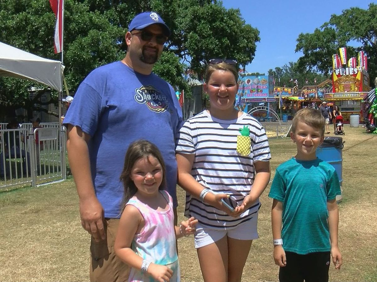 Families celebrate Father's Day on last day of Summer Fair