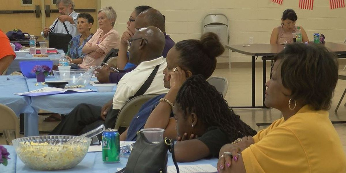 Voter registration drive fights apathy with education