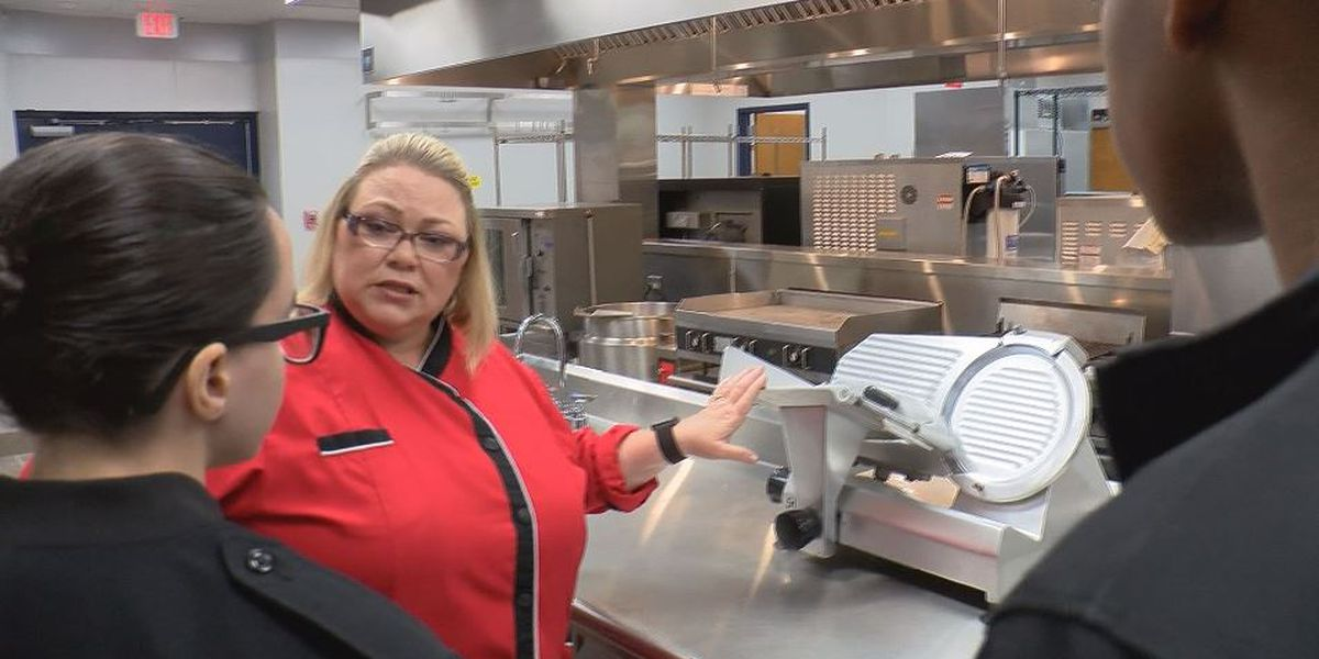 Moss Point High School reopens culinary arts program