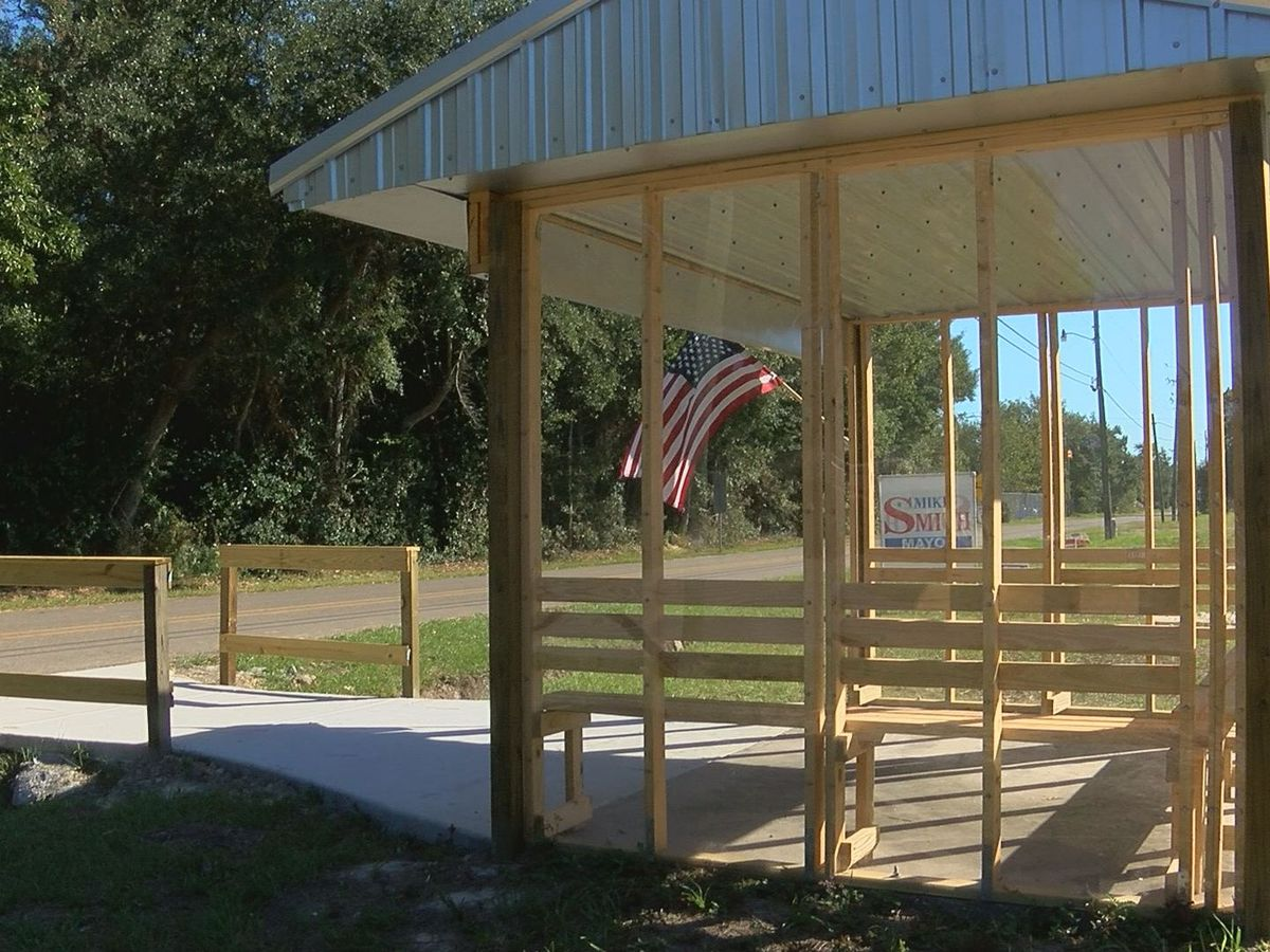 Hancock Co. man gives back to Waveland community with bus shelter