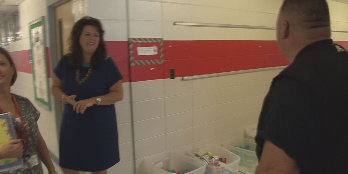 Pascagoula superintendent visits every classroom