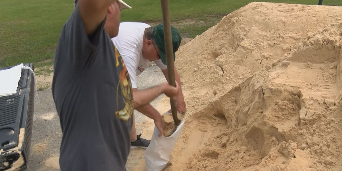 Jackson County residents prepare ahead of storm