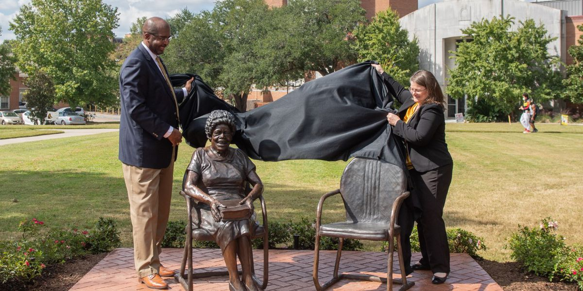 Southern Miss unveils Oseola McCarty statue