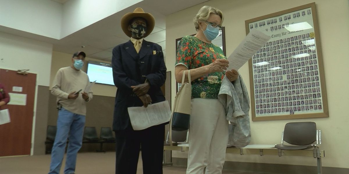 Absentee voting begins in Mississippi