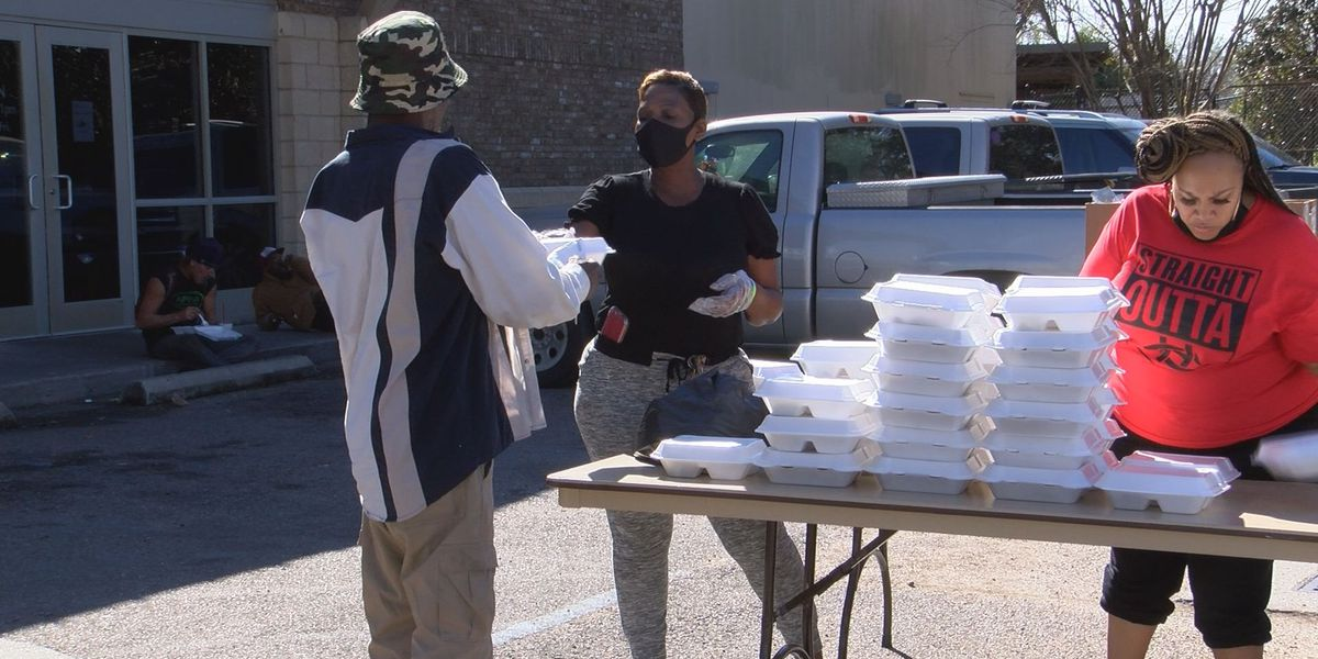 Kappa Alpha Psi feeds hundreds ahead of Thanksgiving