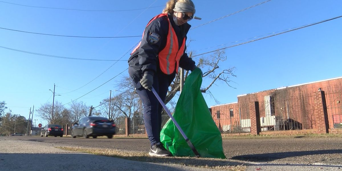 Volunteers help clean up Gulfport for MLK Day