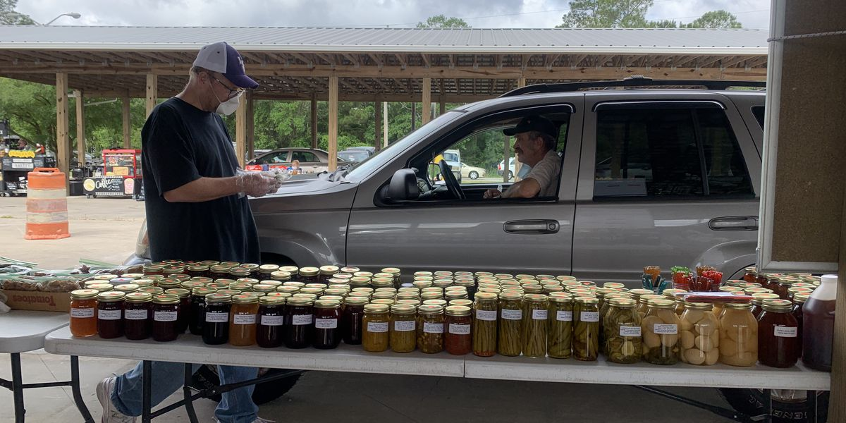 Hancock County Farmers Market shifts to drive-through service