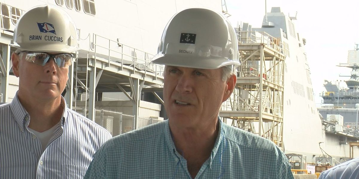 Secretary of Navy pays first visit to Ingalls Shipbuilding