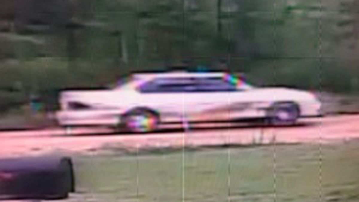 Stone Co. authorities searching for suspects in weekend burglary