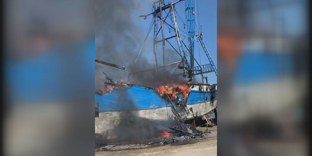 Shrimp boat at Gautier dry dock catches fire again