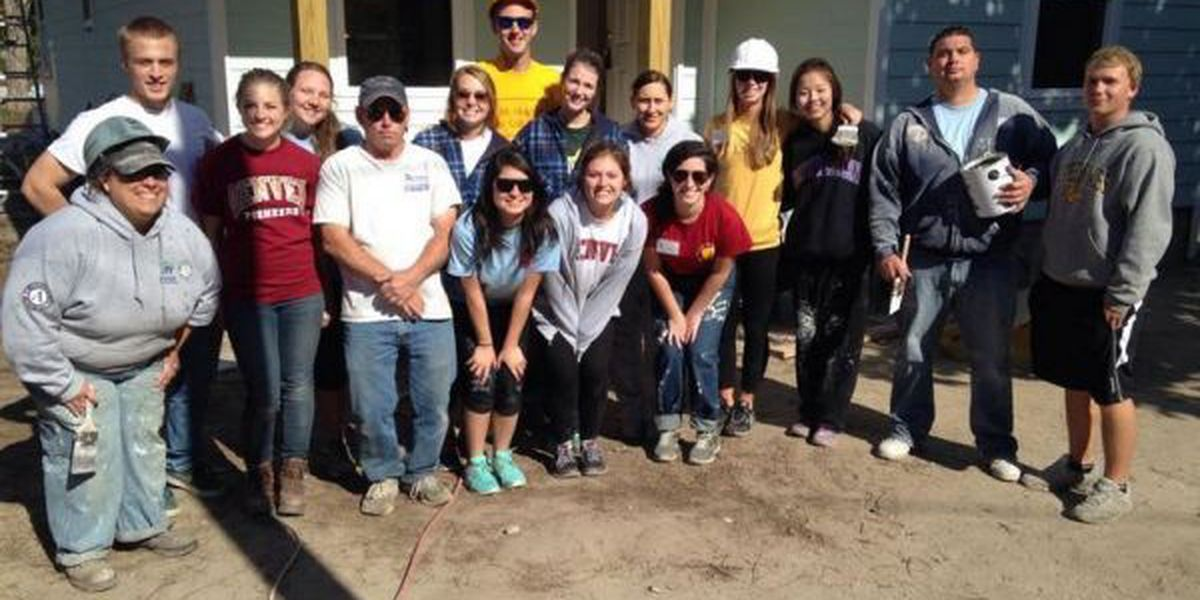Colorado students work Gulfport housing project