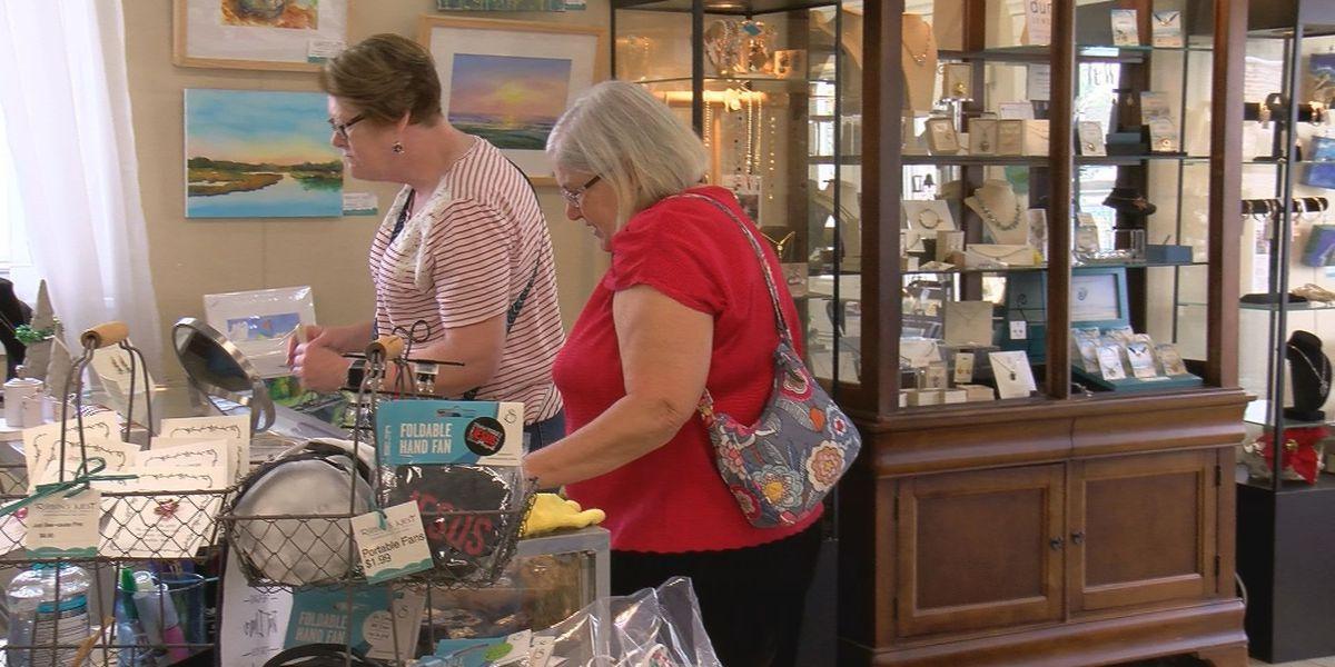 Christmas sales draw customers in post-holiday season