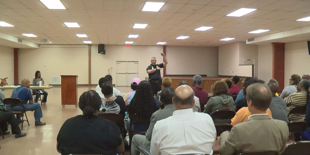 Gulfport police meet with North Gulfport residents