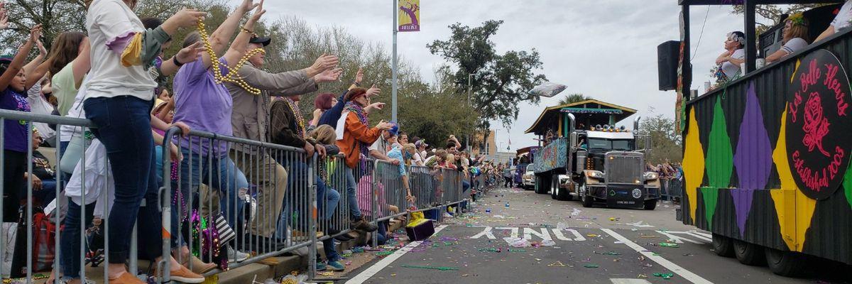 GCCA parade excites thousands of parade-goers, showcasing over 100 Mardi Gras floats