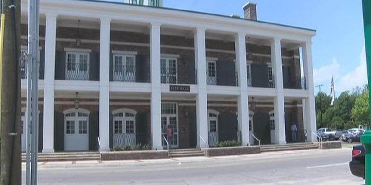 Moss Point to eliminate positions in four departments, including fire chief