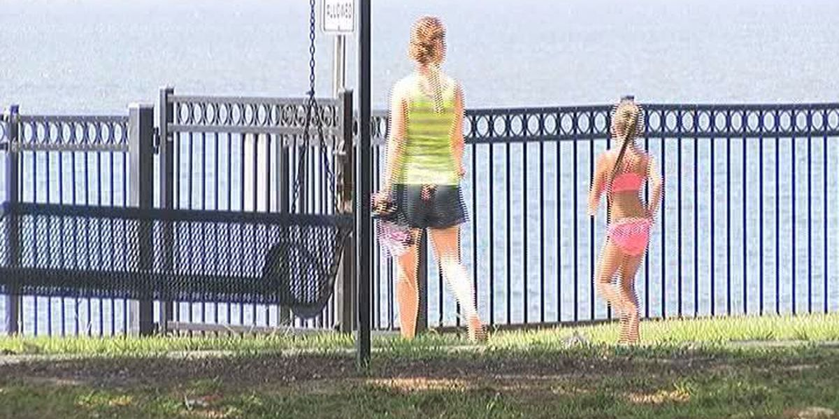Pascagoula considers banning people from lighting up in public parks