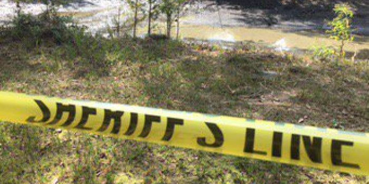 Mississippi pond drained to seek clues in woman's death