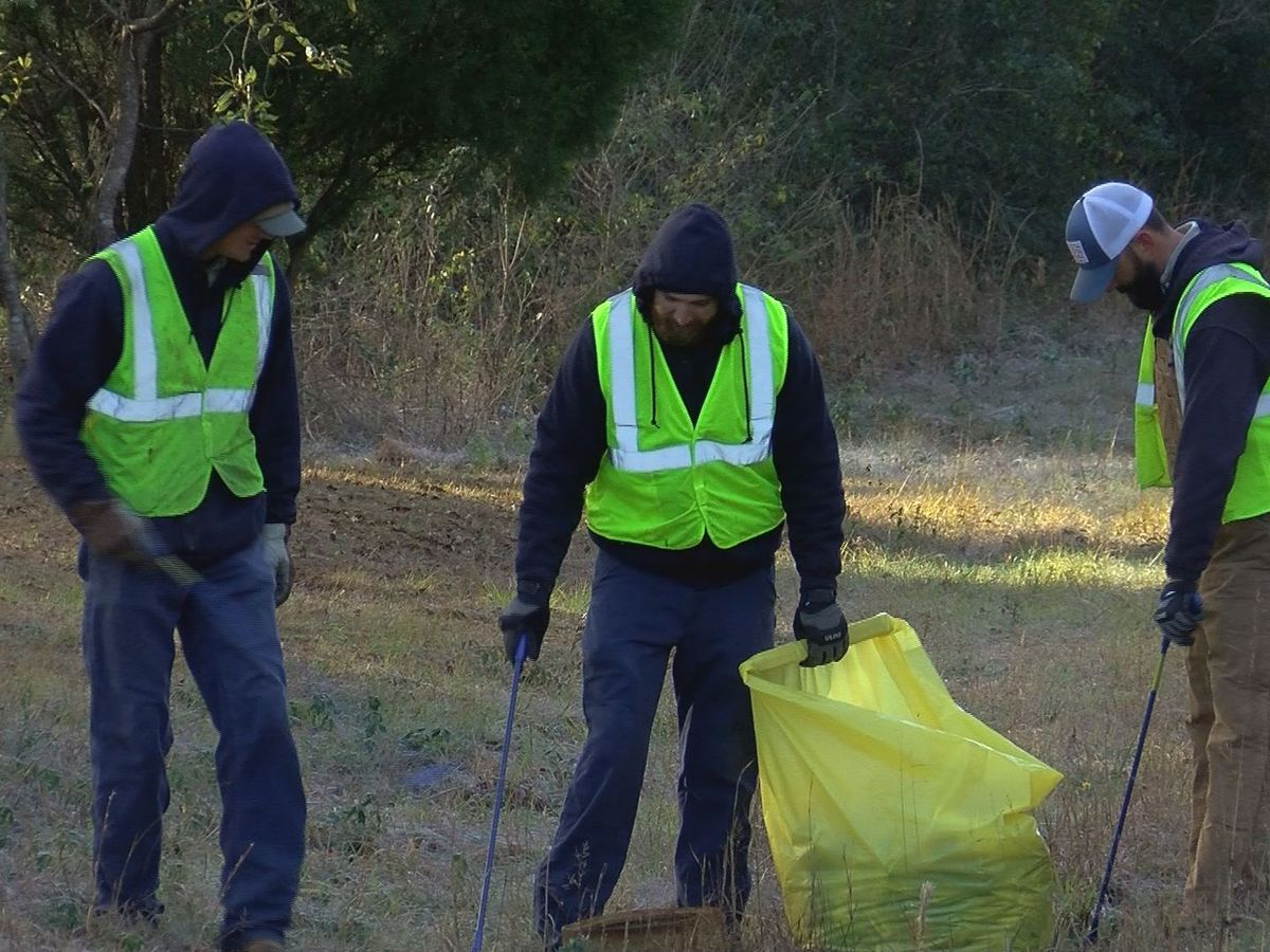 Coast Electric workers take part in MLK Day of Service