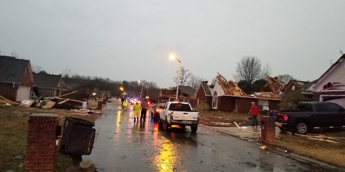 A Storm in Pictures: Tornadoes rip through Mississippi, 7 confirmed injured