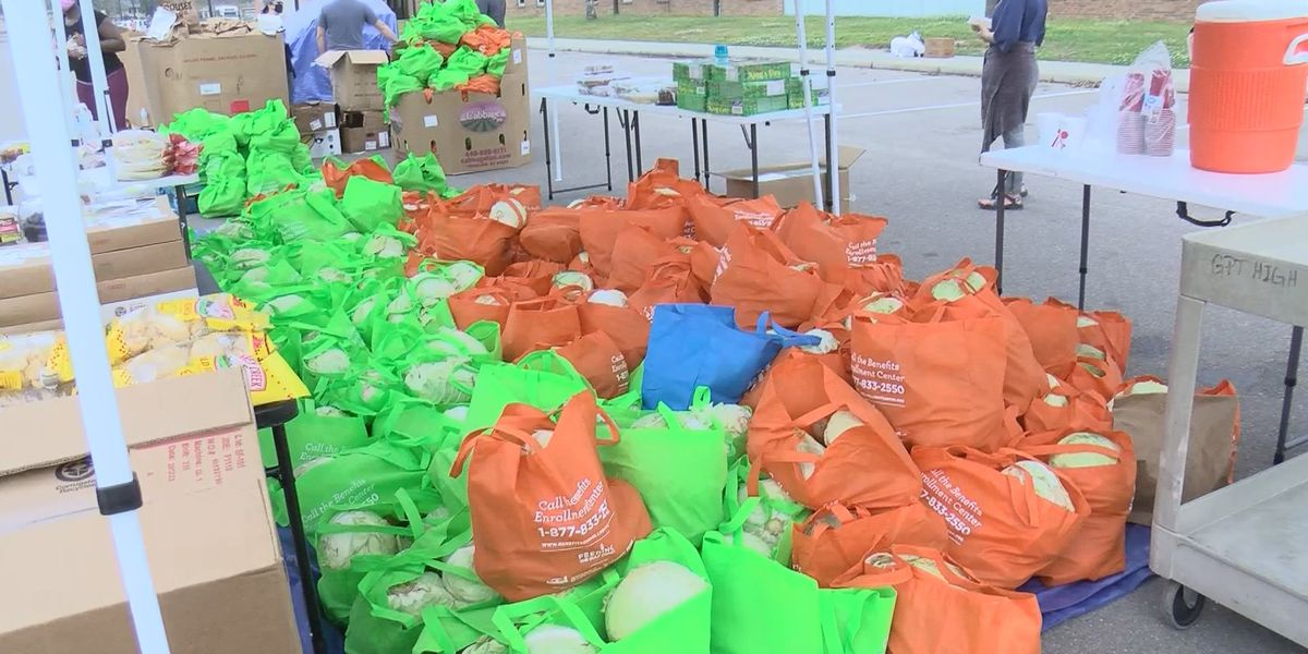 Gulfport's Venture Church hosts food drive for families in need