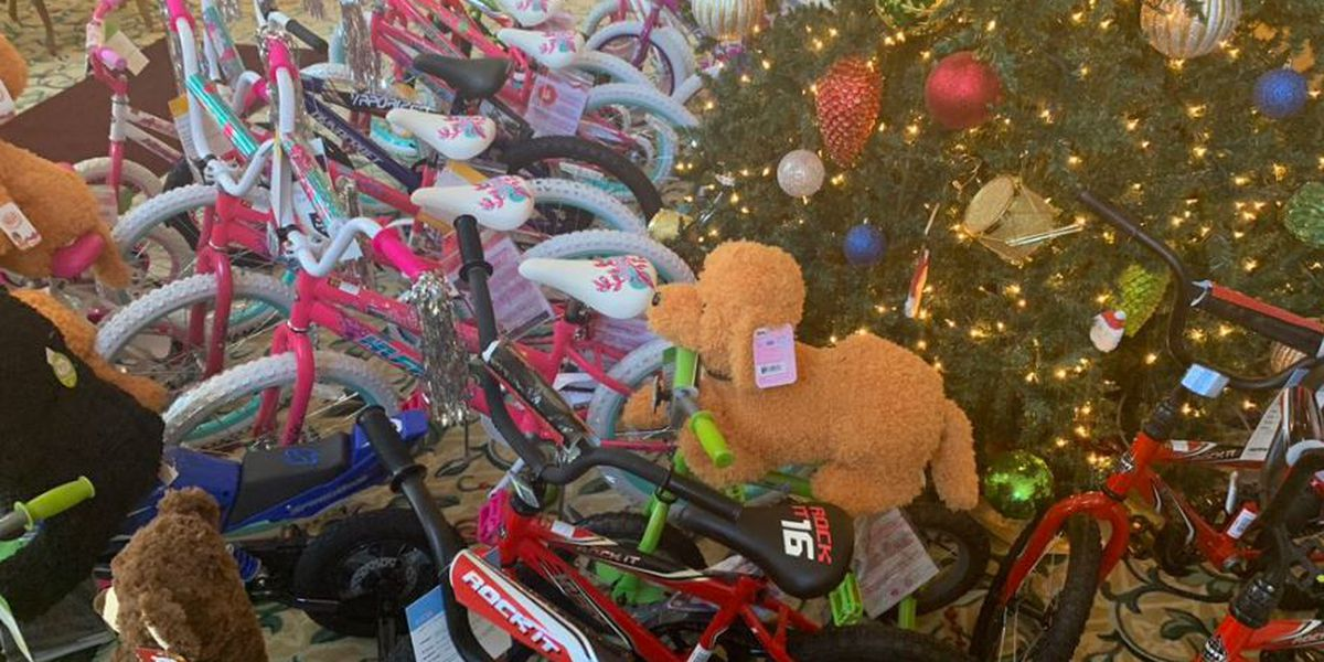 'Santa Wears A Badge' heads to Gulf Hills Resort for toy drive