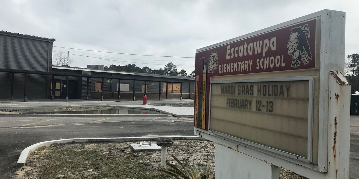 School construction halted after signs of asbestos found
