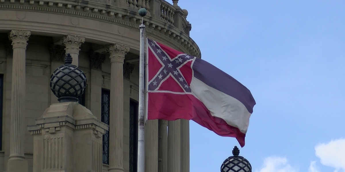 Miss. lawmaker claims thousands have voiced displeasure over changing state flag