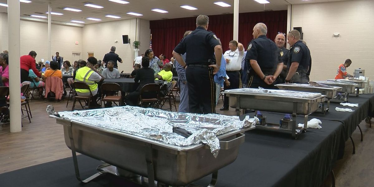Community breakfast gives Gulfport residents, leaders time to chat