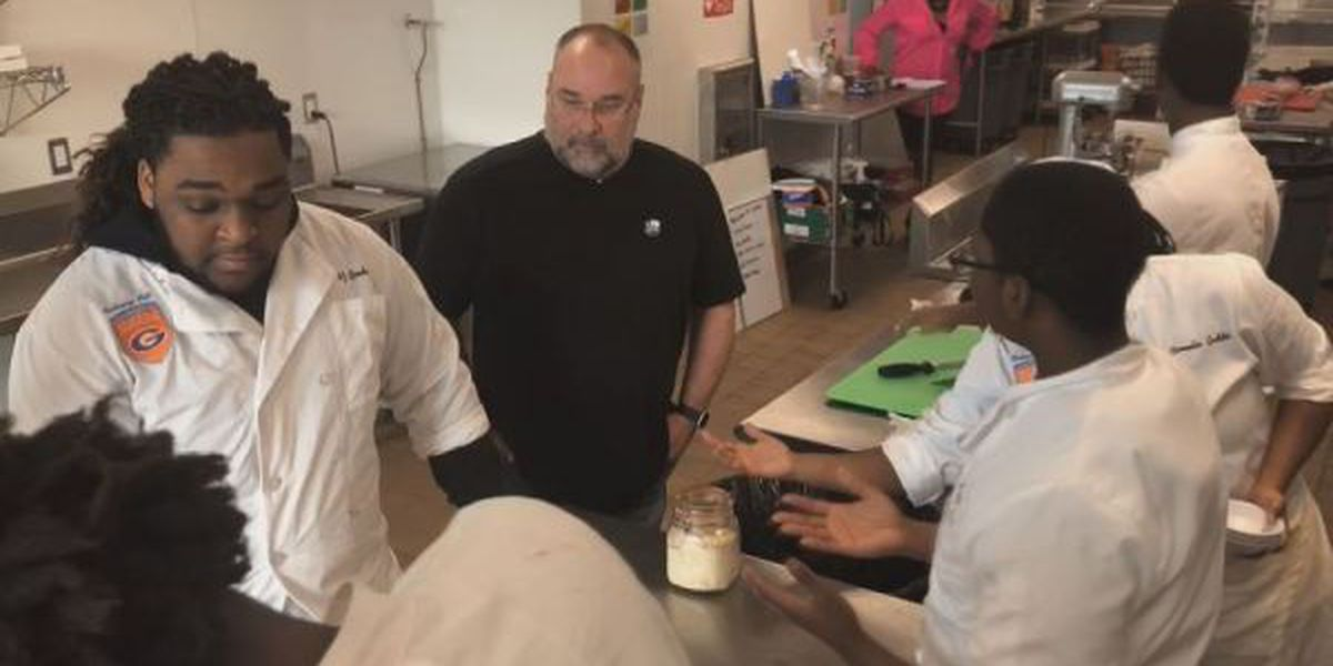 Gulfport culinary students to work with renowned MS chef for fundraiser