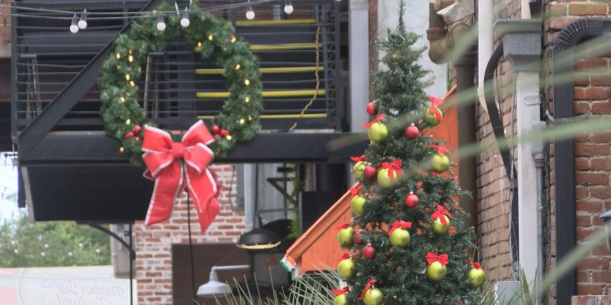 Christmas in August closes Gulfport streets